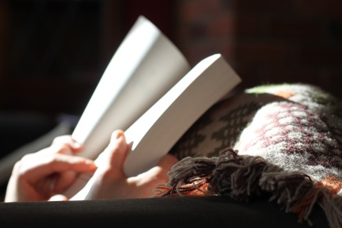 blanket-and-book-unsplash